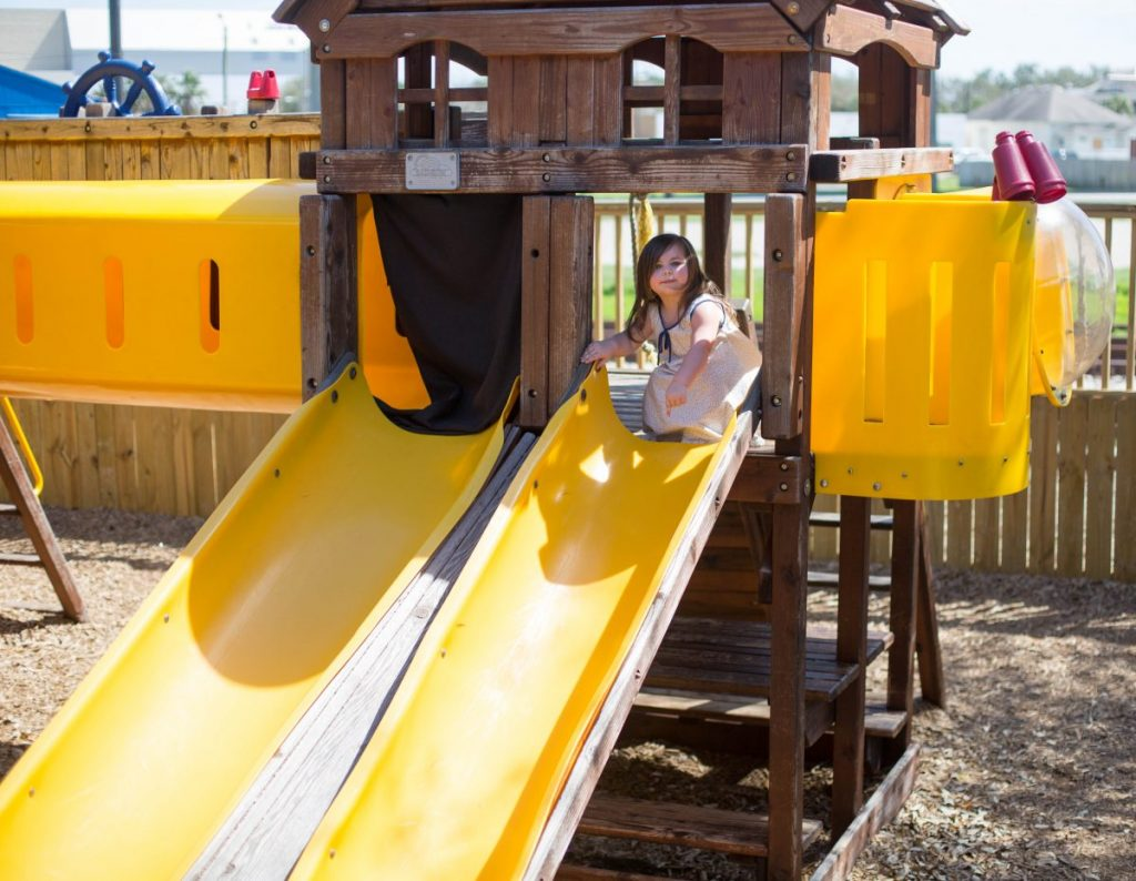 eating and playing outside in corpus christi texas playground slide houston blogger mommy blogger lifestyle blogger 2018