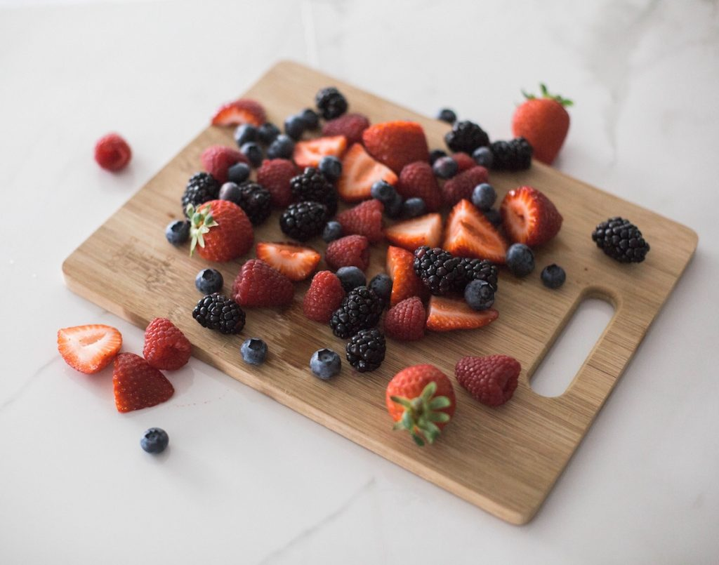 Small batch canning with Ball®. Mixed berry jam with fresh summer berries: strawberries, blueberries, raspberries, and blackberries. Houston lifestyle blogger and mom blogger. 2018